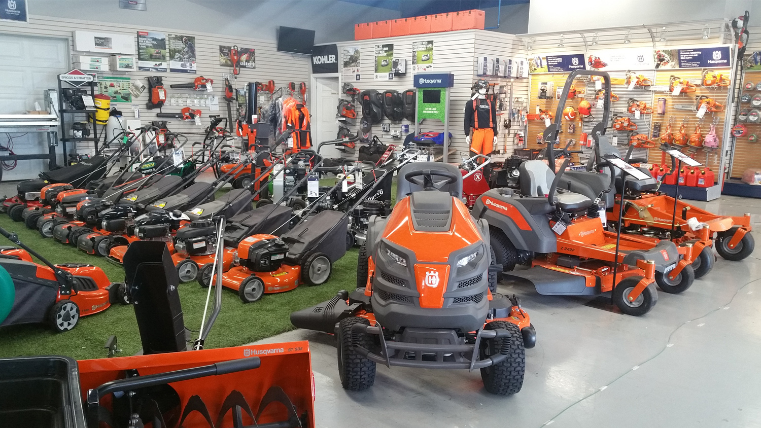 </br>Hitch City - Mississauga Location - Turf Equipment